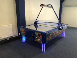 Air hockey 8 ft  Beavers and Bears